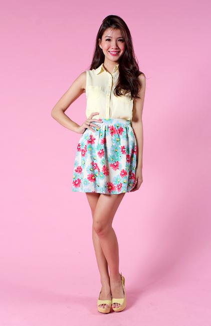 Daisy Romance Skirt in Cream Florals