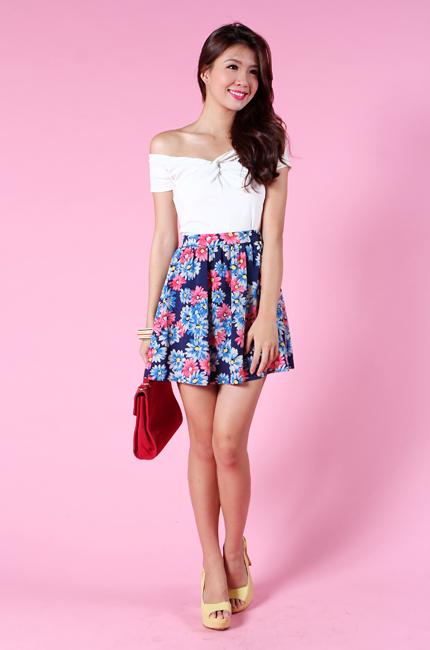 Daisy Romance Skirt in Navy Florals