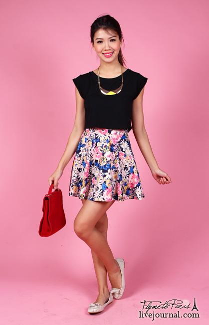 Flouncy Skater Skirt in Mixed Daisies