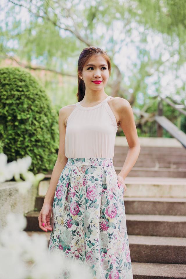 Sweet Garden Floral Midi Skirt in Cream