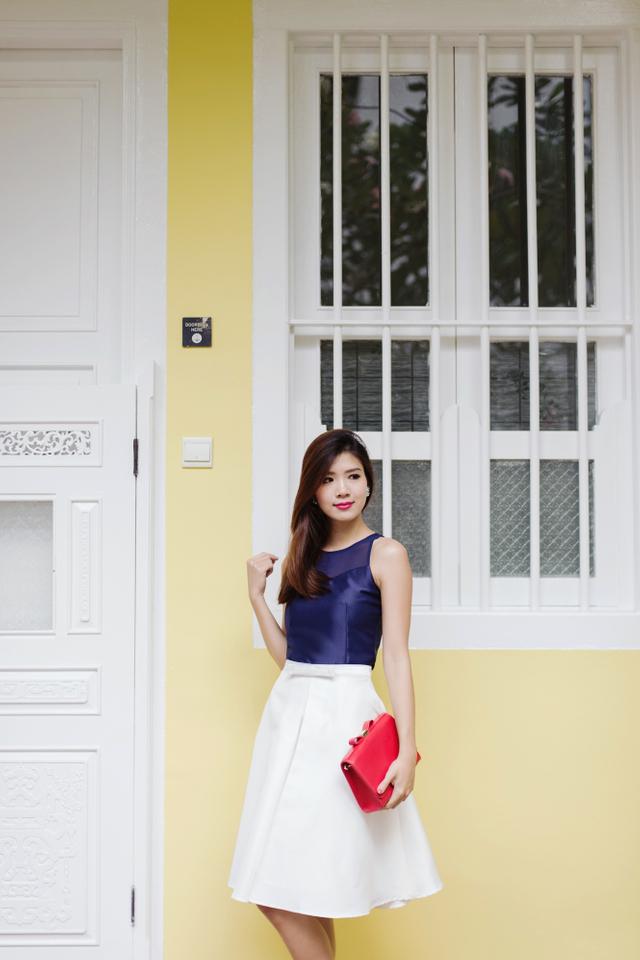 The New Maryann Bow Midi Skirt in White