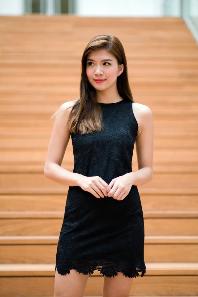 Lace Mademoiselle Shift Dress in Black