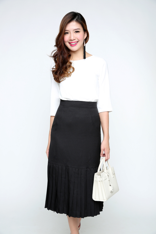 Rachel Mermaid Pleat Hem Skirt in Black