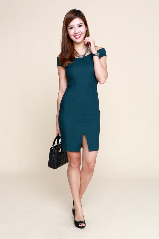 Alexa Off-Shoulder Dress in Forest Green