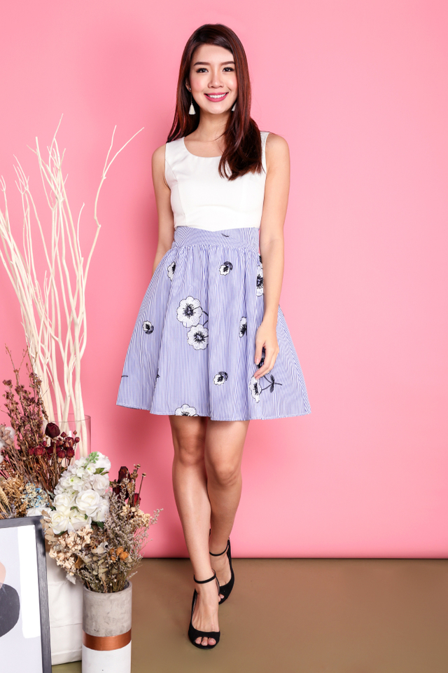 Mira Contrast Dress in White Blue Floral Pinstripes