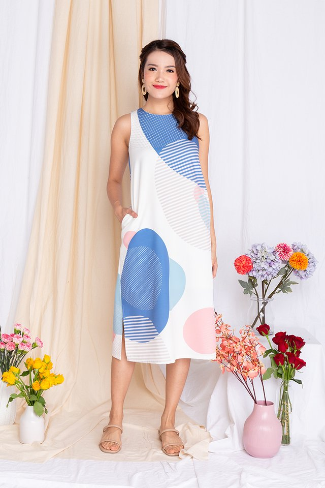 Abstract Displays Sleeveless Midi Dress in Blue Palette