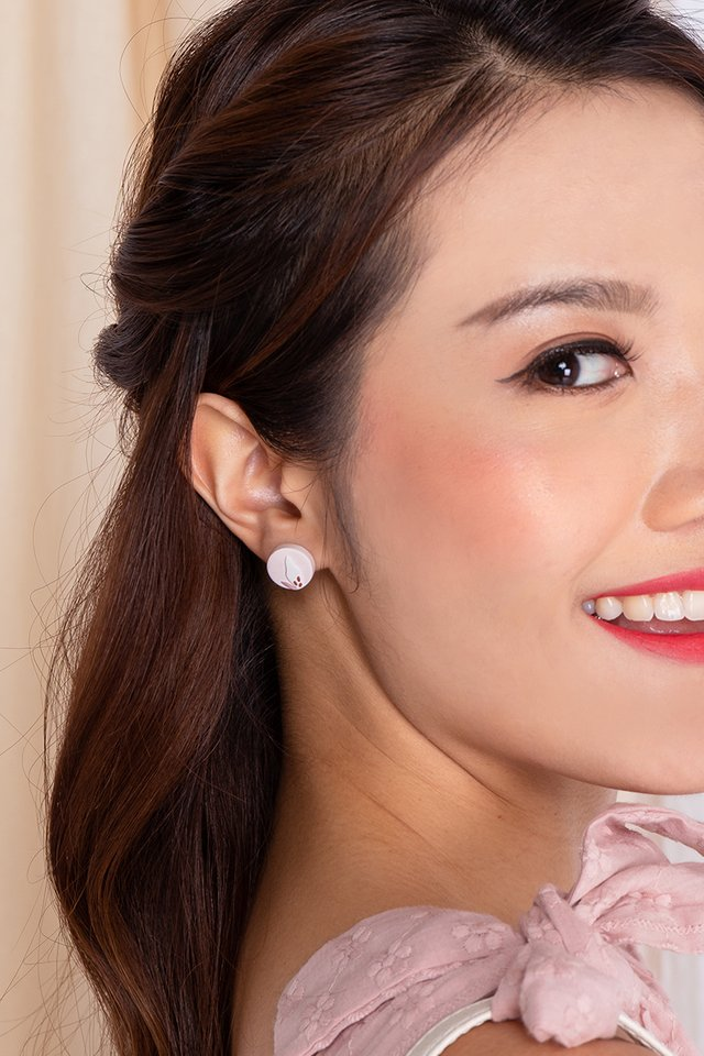 Harmony Round Studs in Lady Pink