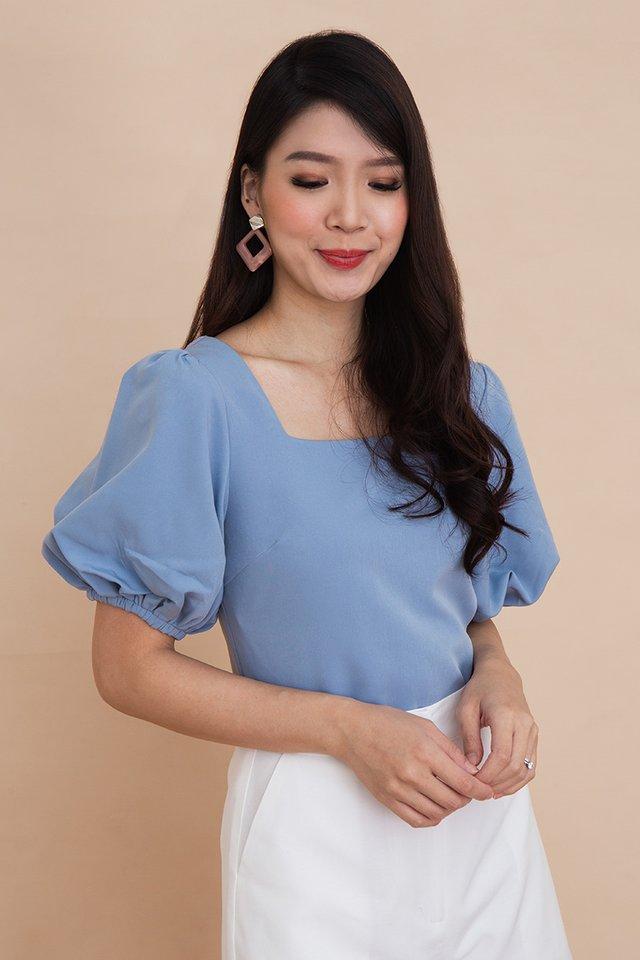 Ada Puff Sleeve Top in Blue