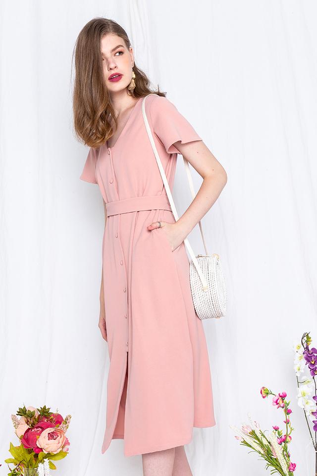 Saturdate Dress in Peachy Pink