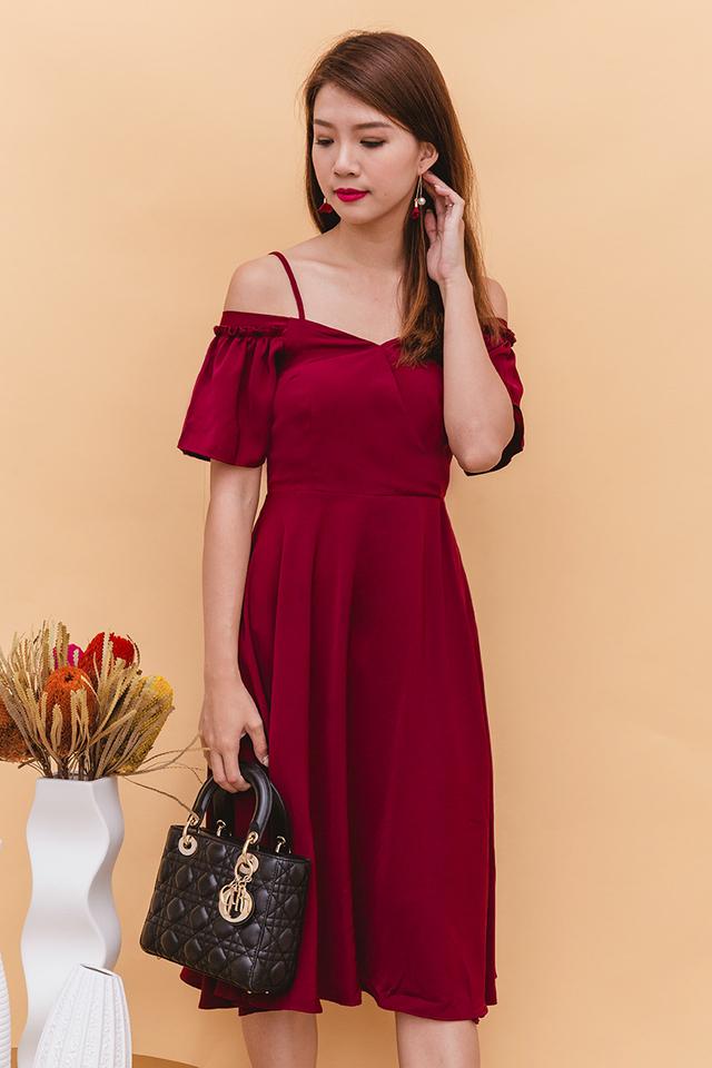 Vera Cold Shoulders Midi Dress in Wine